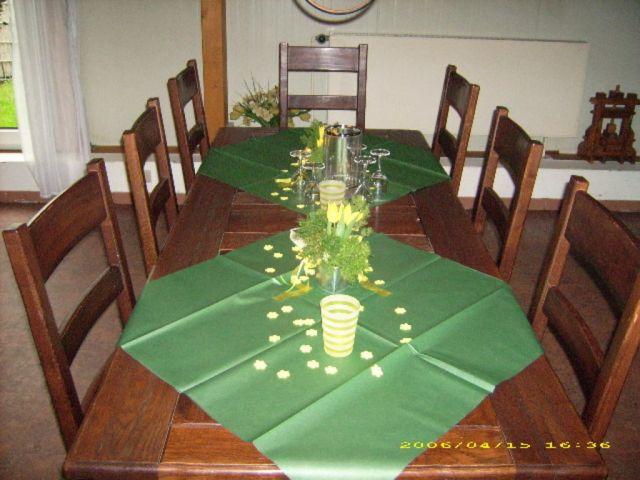 Einfache Tischdeko einfache blumendeko tisch solcher kann einfache